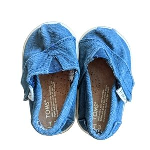 Baby Toms size T3 blue canvas velcro slip ons